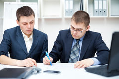 Two young business people Royalty Free Stock Photos