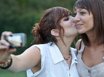 Two young caucasian female friends Royalty Free Stock Photography