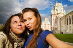 Two young travellers Royalty Free Stock Images