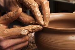 tworzący tworzyć ręki zgrzytają garncarki Zdjęcie Stock