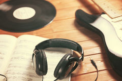 Tworzy i słucha muzyka obraz royalty free