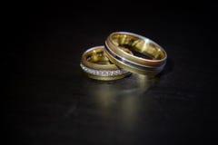 Ty i ja na zawsze - obrączki ślubne Obrazy Royalty Free
