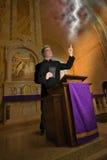Ksiądz, kaznodzieja, minister, duchowieństwo, Pożarniczy Brimstone Zdjęcia Stock