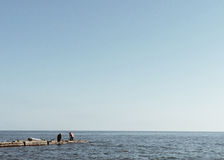 Ty możesz oglądać morze przez długi czas ale słuchasz dźwięk fala ciągle, Zdjęcie Stock