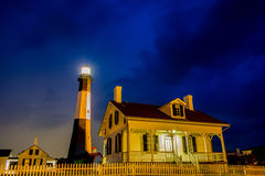 Tybee wyspy plaży latarnia morska z grzmotem i błyskawicą Fotografia Royalty Free