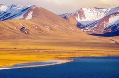 Tybetańskiego plateau jezioro Namtso Obrazy Royalty Free