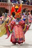 Tybetański lama ubierał w maskowym dancingowym Tsam tajemnicy tanu na Buddyjskim festiwalu przy Hemis Gompa Ladakh, Północny Indi Zdjęcia Stock