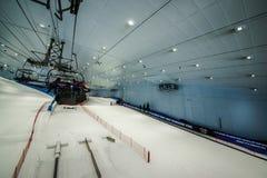 Tyck om insnöat öknen på Ski Dubai Arkivfoto