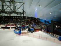 Tyck om insnöat öknen på Ski Dubai Arkivbilder