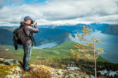 tycka om den gammala fotografen för fem natur fotograferar att ta år Arkivfoto