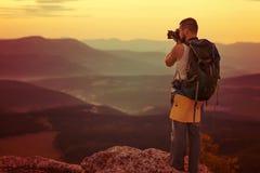 tycka om den gammala fotografen för fem natur fotograferar att ta år Arkivfoton