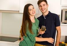 Tycka om ett exponeringsglas av vitt vin royaltyfria foton