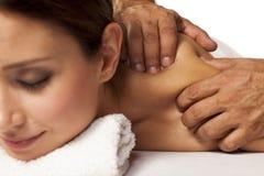 tycka om massagekvinnan arkivbilder