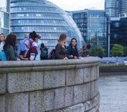 Tycka om sikten från det London stadshuset och mer London flodstrand Arkivbilder