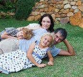 tycka om trädgårds- livstid för familj Royaltyfria Bilder