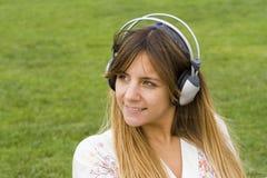 tycka om utomhus- musik royaltyfria bilder