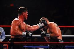 Tye coloca al boxeador pesado foto de archivo