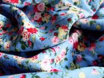 tyg med det fina blom- trycket Royaltyfri Bild