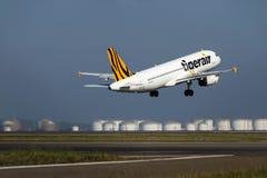 Tygrys Lotniczy Aerobus A320 bierze daleko Fotografia Stock