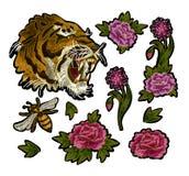 Tygrysa, pszczoły i peoni kwiatów broderii łat elementy dla tekstylnego projekta, Fotografia Stock