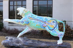 Tygrysia statua z gitary malowidłem ściennym Fotografia Royalty Free