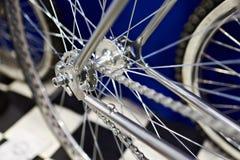 Tylni koła obyczajowy retro rower fotografia stock