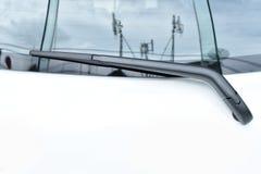 Tylni przedniej szyby wiper ostrze na szkle Zdjęcie Stock