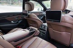 Tylni siedzenia w luksusowym samochodzie Fotografia Royalty Free