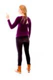 Tylni widok młoda kobieta używa metaforyka wirtualnego ekran zdjęcie royalty free
