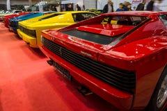 Tylni widok różnorodne modyfikacje sportów samochody Ferrari Testarossa i F512 Obraz Royalty Free