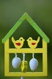 tylny ptasi błękitny koloru obwieszenia domu czerwieni usa biel jard Obraz Stock