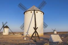 Tylny widok losu angeles Mancha wiatraczki Powstający światło, Campo De Criptan Zdjęcie Royalty Free