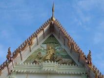 Tympanum и щипец буддийского виска стоковое изображение rf