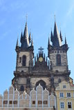 Tyn kyrka i Prague Royaltyfria Bilder