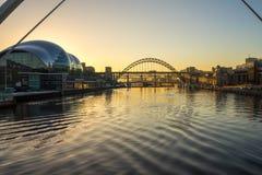 Tyne Bridge - coucher du soleil image libre de droits
