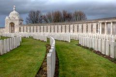 Tyne Cot Cemetery em campos de Flanders fotos de stock