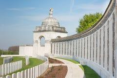Tyne Cot Commonwealth Memorial nära Ypres Royaltyfri Fotografi