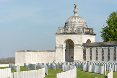 Tyne Cot Commonwealth Memorial nära Ypres Royaltyfria Bilder