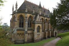 TYNTESFIELD UK - 1 MAJ 2018 - viktorianskt gotiskt nypremiärkapell a Royaltyfri Bild