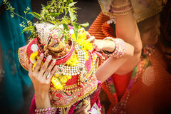 tyohar印地安传统gour pooja archana末多bhakti teej节日maheshwari marwari的rajasthani 免版税图库摄影
