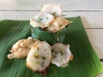Typ tajlandzkiego grylażu Tajlandzcy desery w bananowym liściu zdjęcie stock