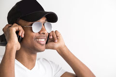 Type écoutant le portrait de musique Photo stock