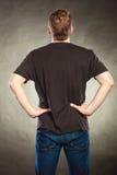 Type arrière d'homme de vue dans la chemise vide avec l'espace de copie Images libres de droits