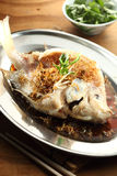 Type chinois cuit à la vapeur de poissons images libres de droits