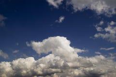 Type ciel nuageux de cumulus photographie stock libre de droits
