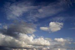 Type ciel nuageux de cumulus photo stock