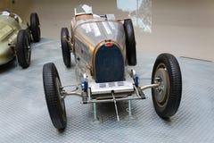 Type de Bugatti 51 supports de voiture de course de premier ministre à partir de 1931 dans le musée technique national Image stock
