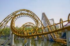 Type en spirale jaune rail Photo stock