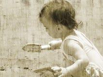 Type/enfant d'antiquité à la plage photos libres de droits