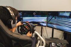 Type jouant à la semaine 2014 de jeux à Milan, Italie Image stock